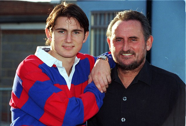 000f206400000190-2931468-frank_snr_says_the_young_lampard_had_to_work_very_hard_to_prove_-a-2_1422606221836